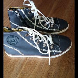PMG Shoes new